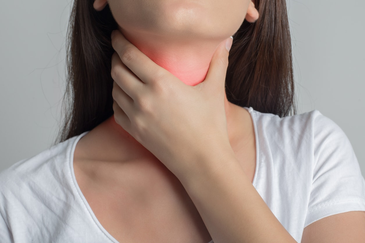 how to control hyperthyroidism naturally