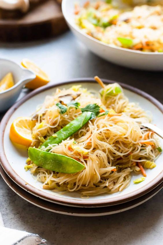 Lemon chili rice noodles with veggies