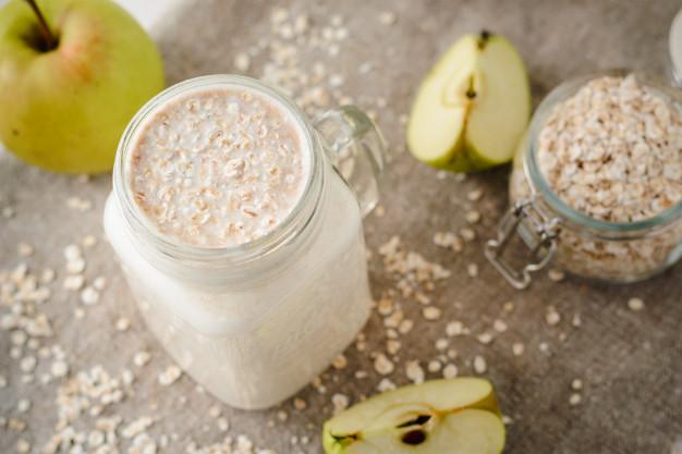 Oatmeal-Apple Protein Shake